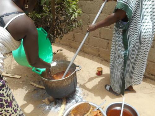 s'ensuit un délicieux thieb,(riz au poisson) plat national sénégalaise